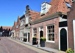 Monnickendam'da bir saat…