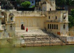 Kutsal gölü ile Pushkar…