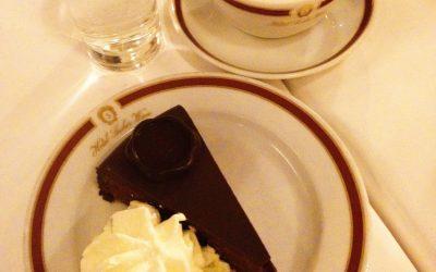 Viyana'da çikolatanın büyüsü Sachertorte...