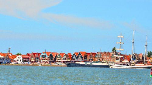 Üçgen çatılı balıkçı kasabası: Volendam